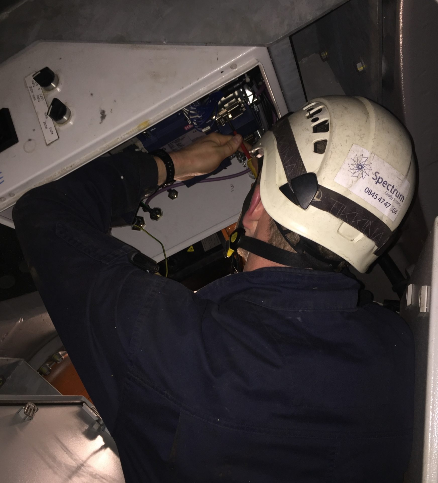 Wind Turbine Servicing - Spectrum Energy Systems Ltd - Electrical Testing 2
